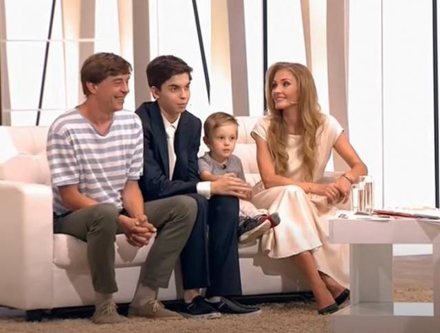 Анна Казючиц с семьей