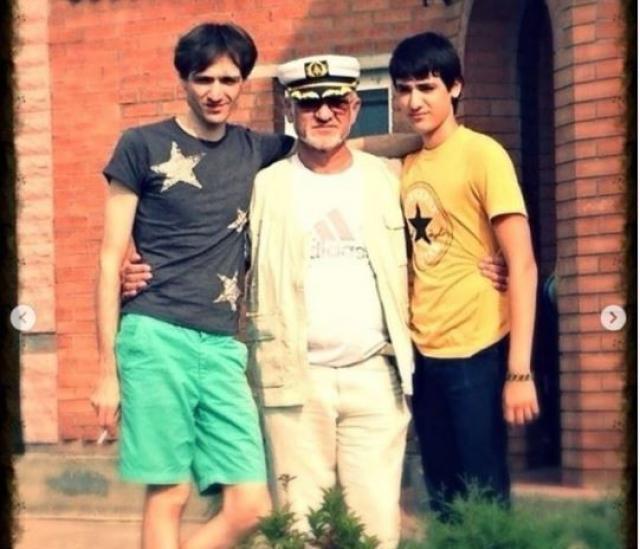 Олег Шепс с отцом и братом