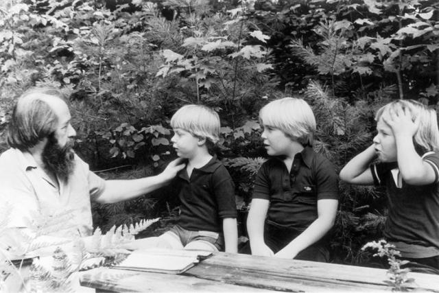 Солженицын с сыновьями