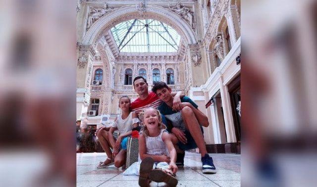 Александр Пашков с детьми