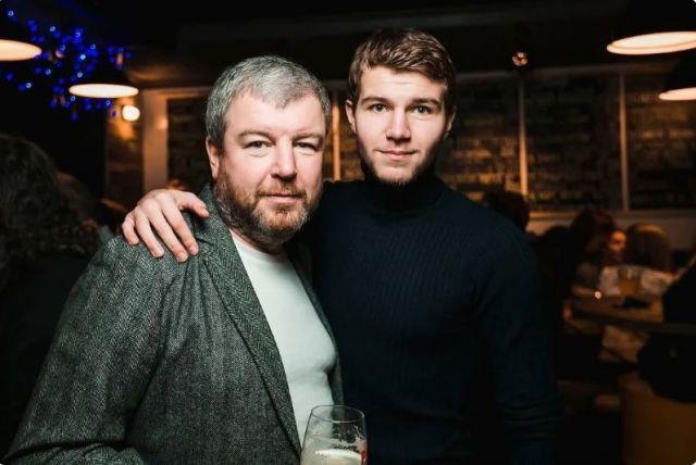 Александр Робак с сыном
