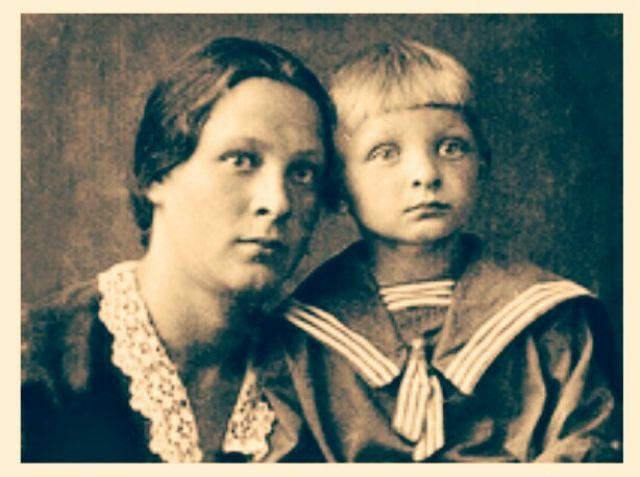 Эдуард Хиль с мамой