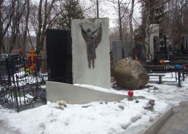 Могила Мигули на Ваганьковском кладбище