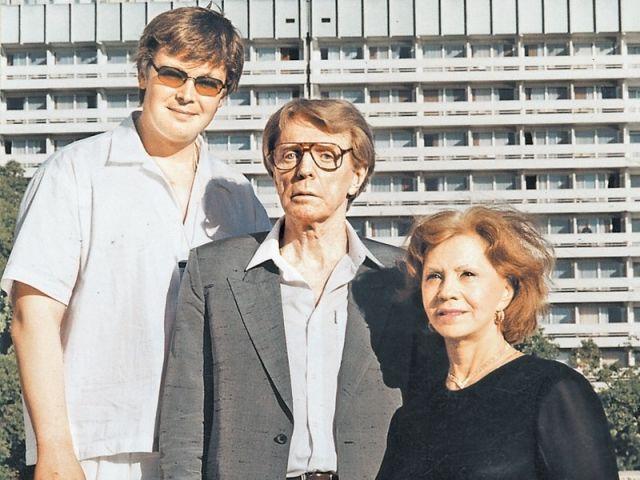 Лионелла Пырьева и ее семья