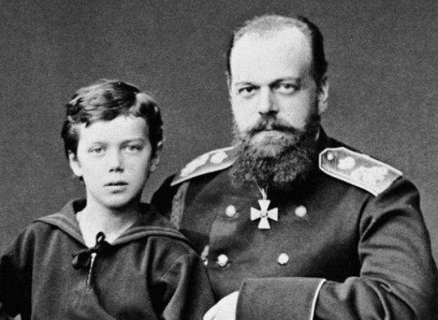 Николай II с отцом