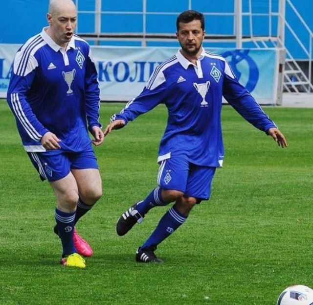 Гордон и Зеленский играют в футбол