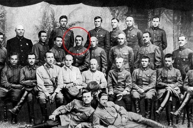 Рокоссовский с офицерами