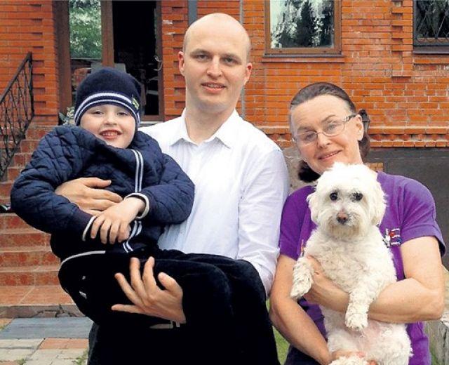 Алла Данько с семьей