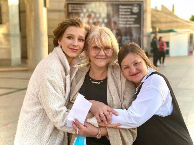 Марина Дюжева с коллегами