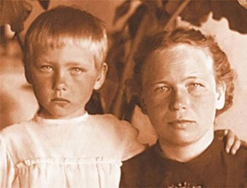 Ия Саввина с мамой