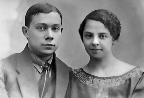 Родители Николая Добронравова