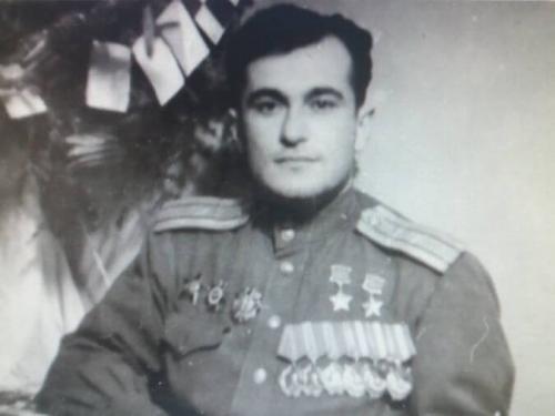 Султан Амет-Хан
