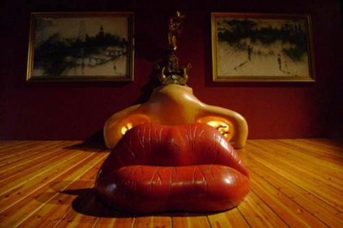 Дизайнерская мебель Сальвадора Дали