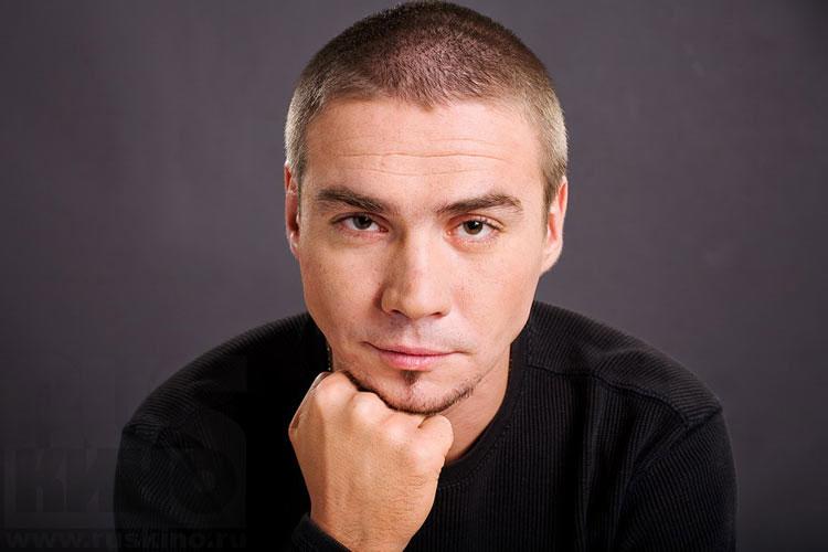 Денис Никифоров актер