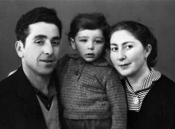 фото гагарина родители